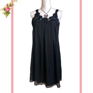 Enfocus Sleeveless Black Rose Detail Mini Dress 6P